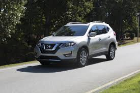 nissan rogue midnight edition commercial nissan propilot assist debuts on 2018 nissan rogue slashgear