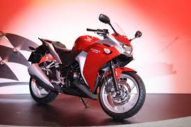 honda cbr showroom motorcyclist at large honda cbr250r is a big deal