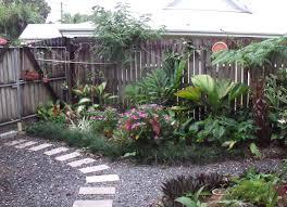 Small Vegetable Garden by Small Backyard Landscape Design Gardenabc Com