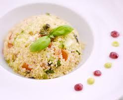 comment cuisiner le quinoa recettes salade de quinoa recette de salade de quinoa marmiton