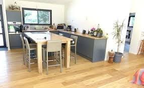 cuisine sur parquet parquet special cuisine le bois a lhonneur dans cette cuisine