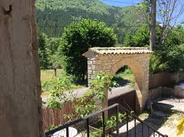 chambre d hote chateauneuf sur isere de la pauze chambre d hôtes 2075 route vallée du toulourenc