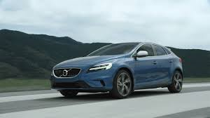 hatchback cars 2016 2018 volvo v40 luxury hatchback volvo car australia volvo cars