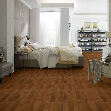 Barn Board Laminate Flooring Shaw Engineered Hardwood Floors We Believe In Our People In Our
