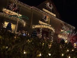 new york city u0027s best holiday lights are far from rockefeller