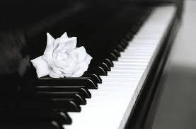 البيانو الاله الساحره,أنيدرا