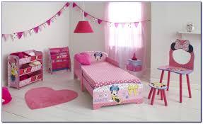 chambre enfant minnie impressionnant chambre bébé minnie et deco chambre bebe fille minnie