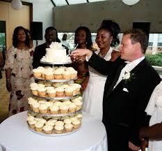 wedding cake edmonton ca wedding cupcakes 101 cupcake wedding cake ideas
