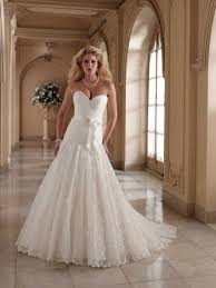 lace ball gown wedding dress with sweetheart necklinecherry