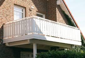 holzbelag balkon holz pirner balkone balkongeländer pommelsbrunn nürnberg