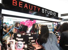 hair and makeup classes beauty workshop festive makeup class with benefit cosmetics ghd