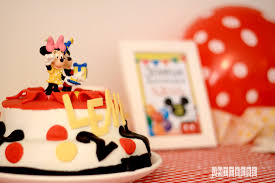 Gateau Anniversaire Minnie by L U0027anniversaire Mickey Et Minnie De La Minuscule
