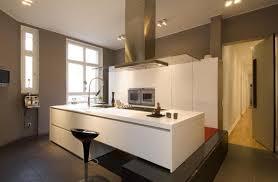 weiße küche wandfarbe anthrazite wandfarbe bilder ideen couchstyle