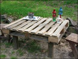 tattered and inked easiest pallet table ever and some 4th of july