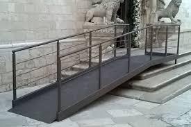 pedane per disabili altamura ra per disabili dinanzi la cattedrale monta la polemica