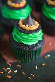 Best 25 Halloween Witch Decorations Ideas On Pinterest Cute Best 20 Halloween Cupcakes Ideas On Pinterest Halloween