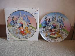 25th anniversary plates 1606 best disney kitchen bedroom snowglobes images on