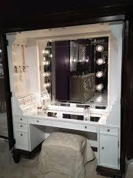 Diy Makeup Vanity Mirror With Lights Vanity Mirror With Light Bulbs Diy Home Vanity Decoration
