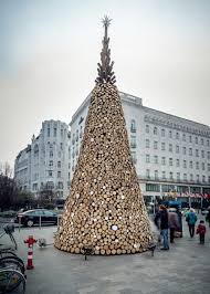 hello wood u0027s budapest u201ccharity tree u201d built from 5 000 logs