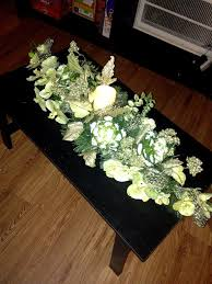 coffee table floral arrangements 39 best coffee table centerpieces images on pinterest flower