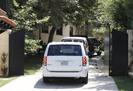 Hillary Clintons House Clinton Raises Cash At Justin Timberlake U0027s House Breitbart