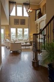 Window Treatment Ideas For Living Room Idea For Bay Window Treatment Molding Love The Pendant Light As