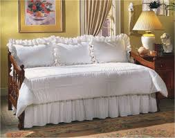 Daybed Dust Ruffle Eyelet Daybed Set At The Trendy Bed