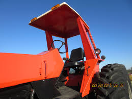 was surprised to see this allis chalmers 7050 without a acousta