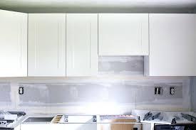 diy installing kitchen cabinets installing kitchen cabinets diy fd diy installing kitchen wall