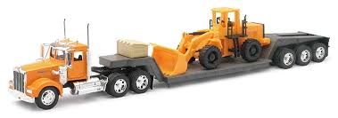 kenworth w900 model truck amazon com kenworth w900 1 32 scale toy truck with flat bed