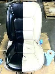 peindre un canap en cuir peinture pour canape en cuir fauteuil salon pendant newsindo co