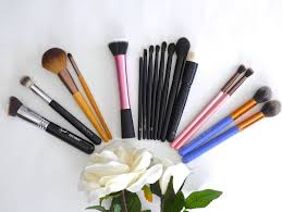 my favourite makeup brushes reflection of sanity