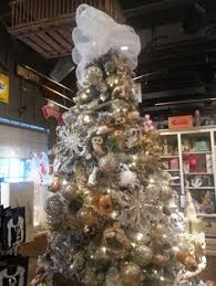 cracker barrel tree so much prettier in person i want