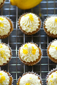 the cupcakes best lemon cupcakes with cheese frosting