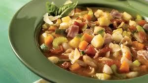 cuisiner haricots blancs secs minestrone aux haricots blancs et à la pancetta recettes iga