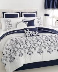 Queen Comforter On King Bed Closeout Leonelli 22 Pc Comforter Set Bed In A Bag Bed