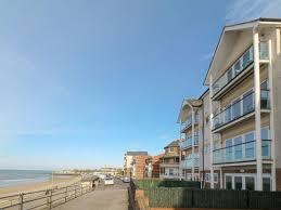 beach side in broadstairs selfcatering travel