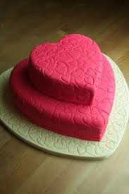 How To Decorate Heart Shaped Cake Heart Shaped Cakes Lovetoknow