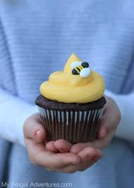 bumble bee cupcakes bumblebee cupcakes my frugal adventures