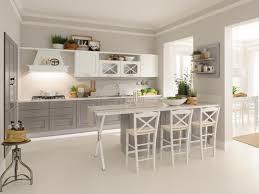 cuisine bois blanchi design interieur cuisine bois classique armores gris blanc bar