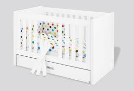 chambre bébé laqué blanc lit bébé évolutif enzo 140 70 laqué blanc mat avec tiroir