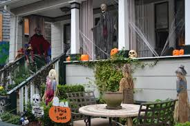decoration halloween exterieur fait maison halloween front door