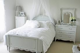 shabby chic bedroom ideas pink white stained wall black rectangle