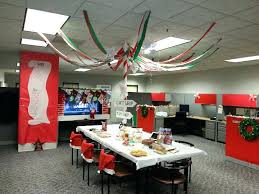 Decoration For Christmas For Office by Fall Decorations For Office Cubicle Office Christmas Decor