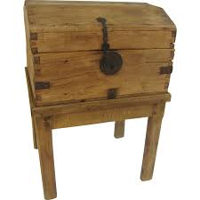 Spanish Colonial Furniture by Pine Spanish Colonial Chest Trunk On Stand Iron Hardware Key 18th
