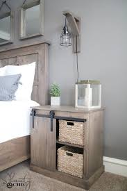 Diy Wooden Bedside Table by Best 25 Diy Nightstand Ideas On Pinterest Crate Nightstand