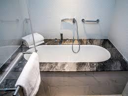 Diy Tile Bathtub 8 Steps For The Perfect Diy Bathtub Refinish A1 Reglazing