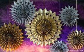 New Year S Eve Decoration Crafts by 10 Fun New Year U0027s Crafts For Kids Family Focus Blog