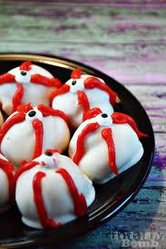 make spooky eyeball white chocolate pretzels a halloween treat