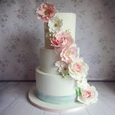 beautiful wedding cakes 17 incredibly beautiful wedding cakes bakers weddingsonline